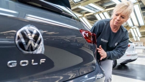 Volkswagen Das WeltAuto 3.0 Introduced: फॉक्सवैगन की सकेंड हैंड कार पर मिलेंगे फायदे, जाने यह स्कीम