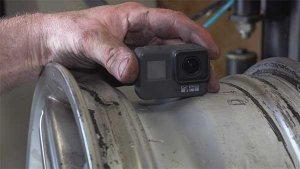 GoPro Inside Car Tyre: कार के टायर के अंदर फिट किया गोप्रो कैमरा, बनाया वीडियो
