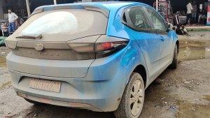 Tata Altroz Turbo Spied Tetsing: टाटा अल्ट्रोज के टर्बो वैरिएंट को टेस्टिंग करते देखा गया