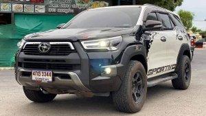Toyota Fortuner Gets Hilux Likes Visuals: टोयोटा फॉर्च्यूनर को दिया हीलक्स जैसा लुक, दिख रही शानदार