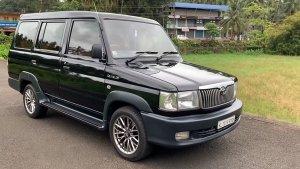 15 साल पुरानी यह टोयोटा क्वालिस दिखने में लगती है शानदार, किए गए हैं यह बदलाव