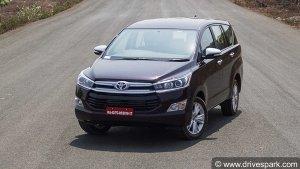 Toyota Innova Crysta Facelift Spied: टोयोटा इनोवा क्रिस्टा फेसलिफ्ट आई नजर, जानें क्या है नया