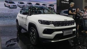 Jeep Compass Facelift: गुआनजो ऑटो शो में जीप कम्पास फेसलिफ्ट का हुआ खुलासा, जल्द होगी लाॅन्च