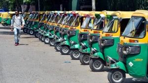 Best-Selling Three-Wheelers In India: बेस्ट सेलिंग थ्री व्हीलर: बजाज आरई ने मारी बाजी