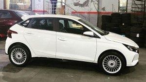 New Hyundai i20 Modification: नई हुंडई आई20 को मॉडिफाई कर लगवाया नया अलॉय, देखें