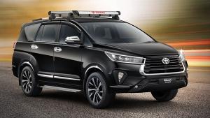 Toyota Innova Crysta Facelift Accessories: टोयोटा ने पेश की नई इनोवा क्रिस्टा के लिए एक्सेसरीज की रेंज