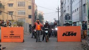 KTM Conducts Pro-Getaway Rides: केटीएम ने प्रो-गेटअवे राइड का किया आयोजन, जानें