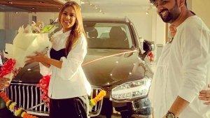 Actress Nia Sharma Buys New Car: टीवी एक्ट्रेस निया शर्मा ने खरीदी 87 लाख रुपये की नई कार, देखें तस्वीरें