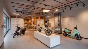 Ather Energy New Retail Outlet: एथर एनर्जी ने अहमदाबाद में खोला अपना नया रीटेल आउटलेट, जानें
