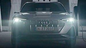 Audi e-Tron New Teaser Released: ऑडी ई-ट्रॉन इलेक्ट्रिक एसयूवी का नया टीजर हुआ जारी, जल्द होगी लाॅन्च