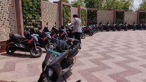 Ather 450X Customers Delivery Starts In Delhi: एथर 450एक्स की डिलीवरी दिल्ली में ग्राहकों के लिए हुई शुरू