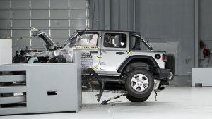 Jeep Wrangler Crash Test Video: जीप रैंगलर ने क्रैश टेस्ट में किया बेहद खराब प्रदर्शन, वीडियो आया सामने
