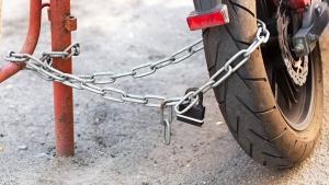 Protect Your Bike From Theft: ये तरीके अपनाएंगे तो कभी नहीं होगी बाइक चोरी, जानें