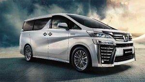 Toyota Crown (Vellfire) Showcased: भारत में बिकने वाली टोयोटा वेलफायर चीन में हुई पेश, नाम बदला