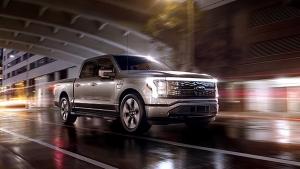 Ford ने अपनी पहली इलेक्ट्रिक ट्रक से उठाया पर्दा, अमेरिकी प्रेसिडेंट जो बाइडेन ने की सवारी