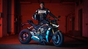 Ducati ने भारत में अपनी Streetfighter V4 की डिलीवरी की शुरू, जानें क्या हैं फीचर्स व कीमत