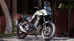 2021 Honda CB500X Reaches Dealership: होंडा सीबी500एक्स की पहली यूनिट्स पहुंची डीलरशिप, जल्द शुरू होगी डिलीवरी