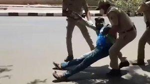 Corona Curfew तोड़ने पर बाइकर को पुलिस ने दबोचा, सजा देख कर छूट जाएगी हंसी