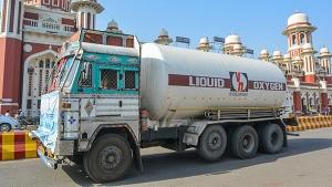 सभी ऑक्सीजन टैंकरों में लगेंगे जीपीएस ट्रैकिंग डिवाइस, रोकी जाएगी ऑक्सीजन की चोरी