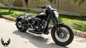 Royal Enfield Thunderbird को Modify कर दिया Batman की बाइक जैसा लुक, देखें तस्वीरें