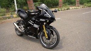 Yamaha R15 V3.0 को मॉडिफाई कर दिया R1M जैसा लुक, पहले से ज्यादा लग रही है स्पोर्टी