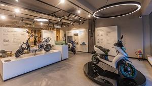 Ather स्कूटर्स ने बेंगलुरु में खोला नया एक्सपीरियंस सेंटर, बुकिंग व टेस्ट ड्राइव होगी उपलब्ध