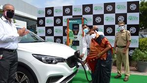 एमजी मोटर और फोर्टम ने पुणे में लगाया ईवी चार्जिं स्टेशन, जानें किन शहरों में हो चुके हैं स्थापित