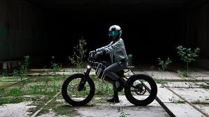 BMW iVision Amby: ये इलेक्ट्रिक साइकिल पुरा करेगी बाइक की कमी, फुल चार्ज पर चलती है 300 किमी