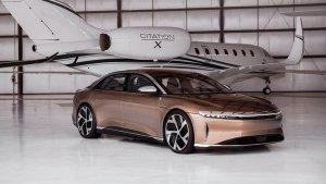 लाॅन्च हुई सबसे ज्यादा रेंज देने वाली इलेक्ट्रिक कार, फुल चार्ज पर चलती है 836 किलोमीटर