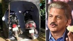 आनंद महिंद्रा ने बताया पार्किंग का देसी जुगाड़, देखें फोटो