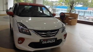 टोयोटा ग्लैंजा डुअल कलर टोन में उपलब्ध