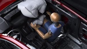 क्या कारों में मिलेंगे 6 एयरबैग? नितिन गडकरी ने कही ये जरूरी बात