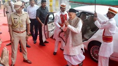 महाराष्ट्र के राज्पाल ने नई कार खरीदने की योजना टाली