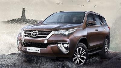 Toyota की कारों पर त्योहारी सीजन में करें भारी बचत